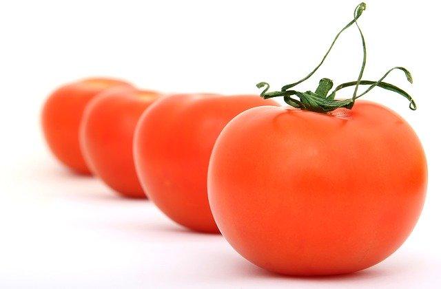 tomatoes-1239176_640